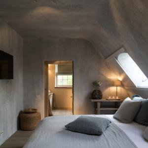 Binnenbepleistering slaapkamer 2